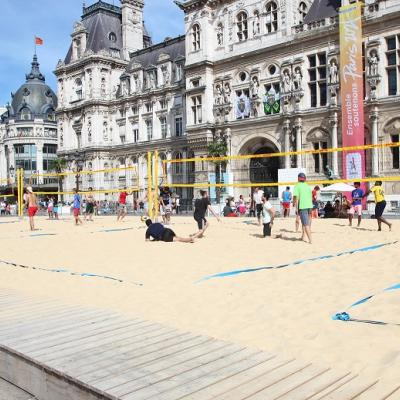 Pop-up beaches in Paris