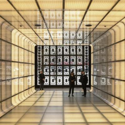 Aux Champs-Elysées... Les nouvelles Galeries Lafayette !