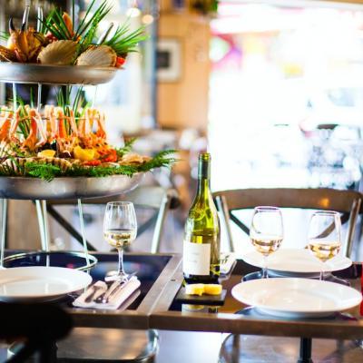 Bonne Pêche au nouveau Sea Bar du marché d'Aligre
