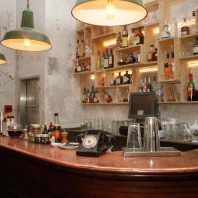 Badaboum, the cocktail bar that goes boom