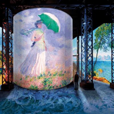 """The exhibition """"Monet, Renoir… Chagall"""" at the Atelier des Lumières"""